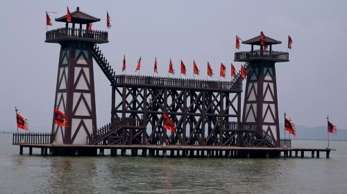 无锡+上海2日1晚跟团游·赠送三国古战船,游魅力魔都+高铁返无锡