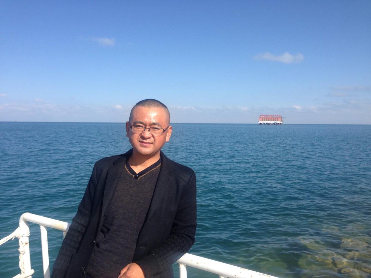 当地向导青海湖旅游包车张师傅