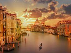 意大利8日7晚跟团游(4钻)·【全程舒适四星酒店 威尼斯进出 经典城市+特色小镇深度之行】 轻舟水城威尼斯+比萨+维罗纳+五渔村+文艺复兴佛罗伦萨+米兰 每周二铁发