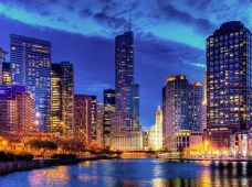 美国芝加哥+密尔沃基+休伦湖地区+苏必利尔湖地区+密歇根湖地区6日5晚跟团游·四天畅游世界五大湖之三大湖的仙境 +四大湖畔名城+ 创新体验徒步爬行巨大沙丘+芝加哥大剧院 +畅游世界五大湖之三大湖美妙绝伦的风景