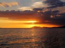 海口+三亚+分界洲岛7日6晚私家团(4钻)·悬崖红酒自助餐、龙虾鲍胆海鲜餐、天堂自助、网红鳐鱼互动