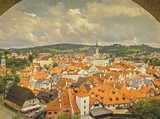 捷克+奥地利+匈牙利+斯洛伐克+波兰8日跟团游·【法兰克福集散+小众游+三星酒店】东欧五国全景 华沙+奥斯维辛+渔人堡+音乐之都+百威小镇