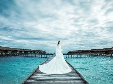 蜜月婚拍·马尔代夫阿雅达岛2天1晚·旅拍婚纱照拍摄套餐(驻岛工作室 6星高端岛屿 全岛拍摄 一对一中文摄影团队服务 底片全送)