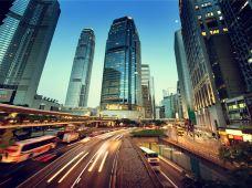 香港+澳门3日跟团游·海洋公园+1天香港自由行+威尼斯人+2成人送1张上网电话卡+1个转换插头