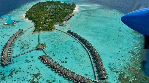 马尔代夫阿雅达岛Ayada6日4晚自由行(5钻)·携程推荐+六★岛屿+含早晚餐&接送+私人泳池