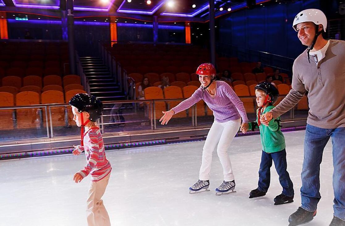滑冰场 Ice-Skating Rink
