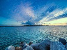 日本冲绳县5日4晚私家团·【海边+那霸暑期双体验·含2次早】美丽海水族馆「海豚SHOW+触摸海星」+国家自然公园「万座毛」+恋战冲绳拍摄地「古宇利岛」+2日自由活动·可选浮潜
