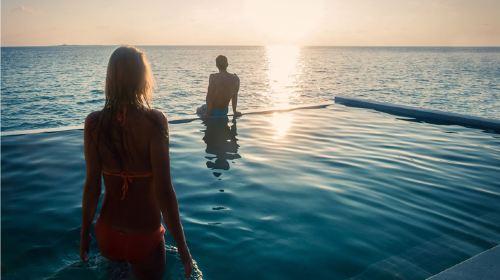 马尔代夫7日5晚自由行·【新岛】阿玛雅泳池②沙②水+①价全包+水飞