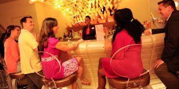 Pink时尚酒吧
