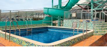 海豚泳池和滑水道