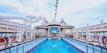 罗马泳池及凯撒滑梯