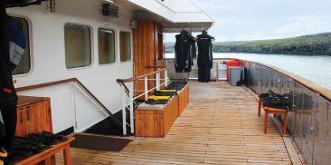 浮潜设备区