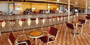 阿波罗泳池酒吧
