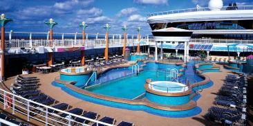 Oasis甲板泳池