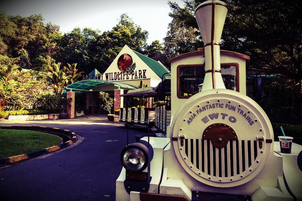 沙巴親子一日遊 婆羅洲文化村&洛高宜動物園&巧克力 DIY 亞庇市區接送