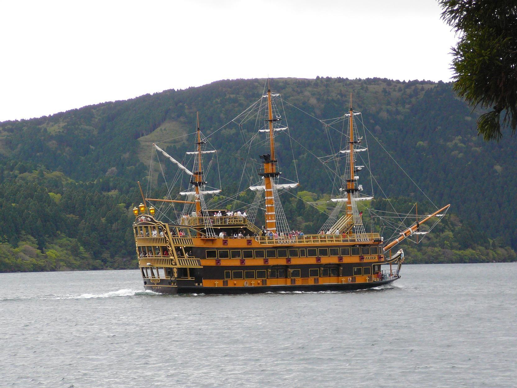 【箱根一日遊】蘆之湖海盜船、箱根空中纜車、御殿場 Outlets