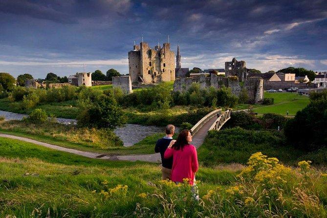 Full-Day Castles and Celtic History Tour from Dublin: Newgrange, Hill of Tara