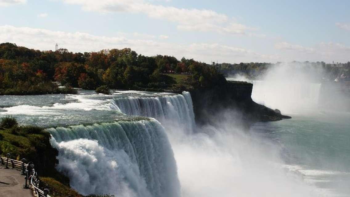 Niagara Falls American Side Highlights Tour