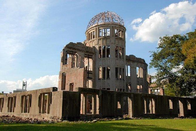 Hiroshima Peace Memorial Park and Miyajima Island,Itsukushima shrine from Osaka