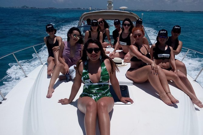 Luxury Private Yacht tour to Isla Mujeres
