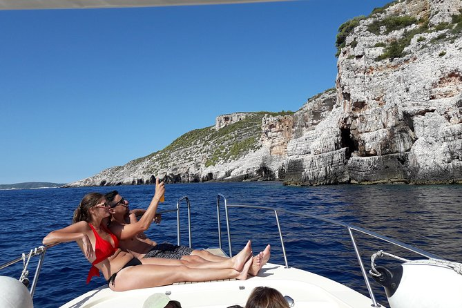Private boat tours from island Vis