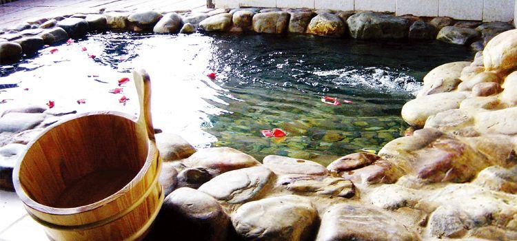 Yingyuetan Hot Springs3