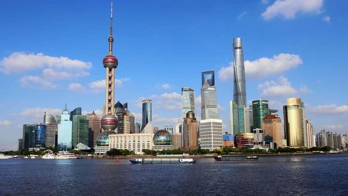 Best of Shanghai Day Tour, including Jade Buddha Temple & Bund & Yuyuan Garden