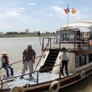 One-Way Cruise Transfer from Siem Reap to Phnom Penh Including Lunch and Hotel Transportation