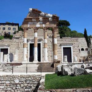 Brescia Travel Guides 2019 Brescia Attractions Map