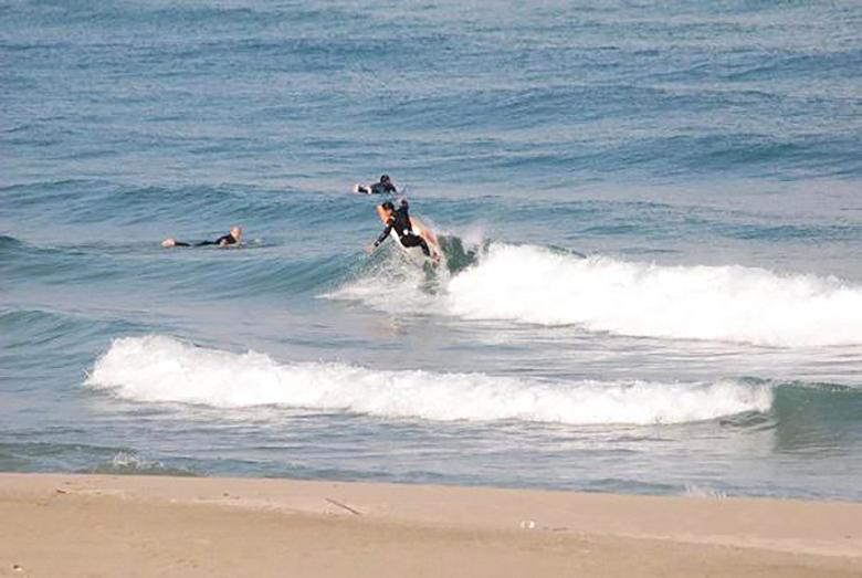 【半日・初心者向け】瀬戸内の穏やかな波でサーフィン体験☆