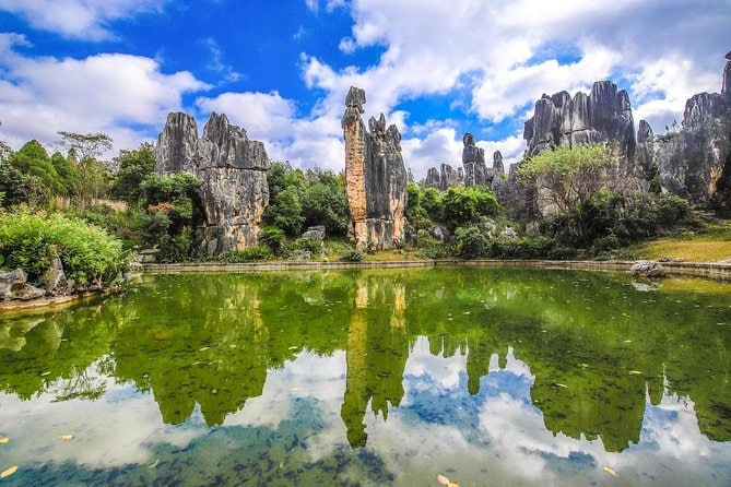 1 day Kunming Highlights Mini Group tour