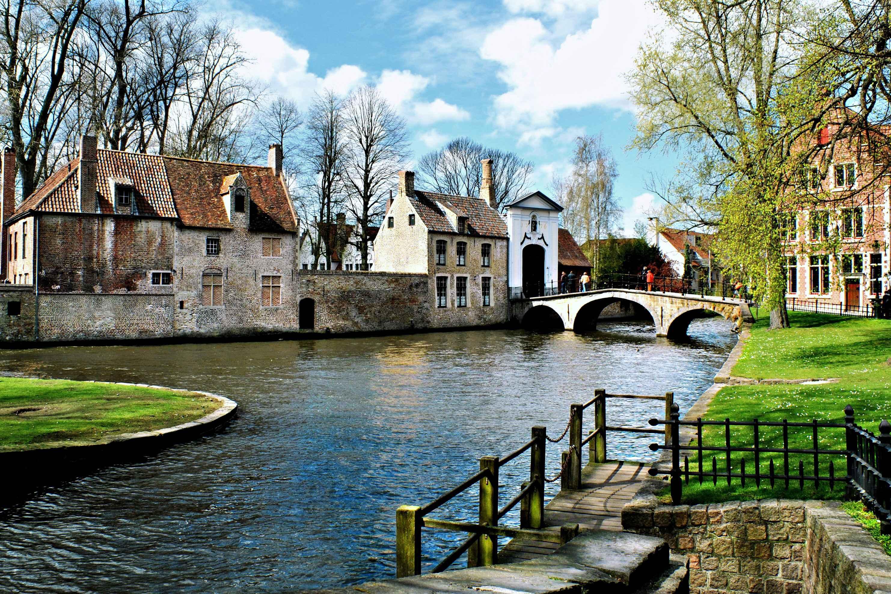 比利時布魯塞爾出發布魯日一日遊(英文導遊+愛之湖+中世紀城市)
