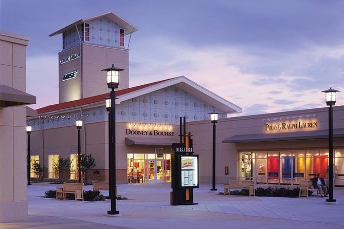 Transfer to Chicago Premium Outlets
