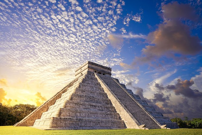 Day Trip to Chichen Itza, Valladolid with Cenote Swim and Lunch