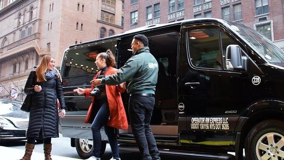 New York Airports to Hotel: Shared Arrival Transfer