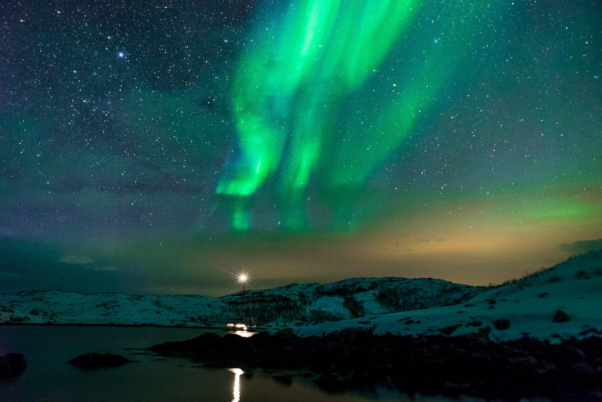 【極光下的挪威峽灣】特羅姆瑟乘遊艇賞極光