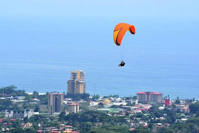 Paragliding Flight Las Terrazas 900 ft high takeoff