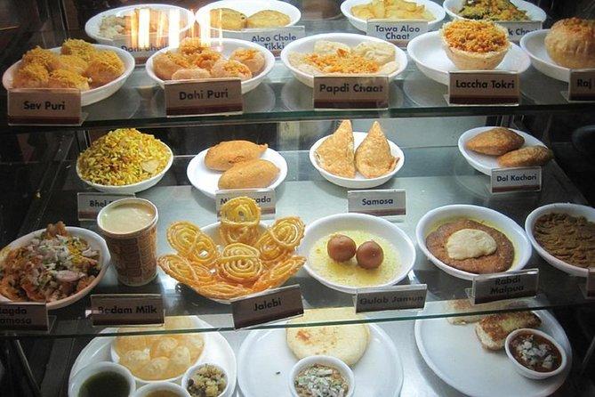 Shimla: Street Food Crawl (2 Hours Guided Food Tasting Tour)