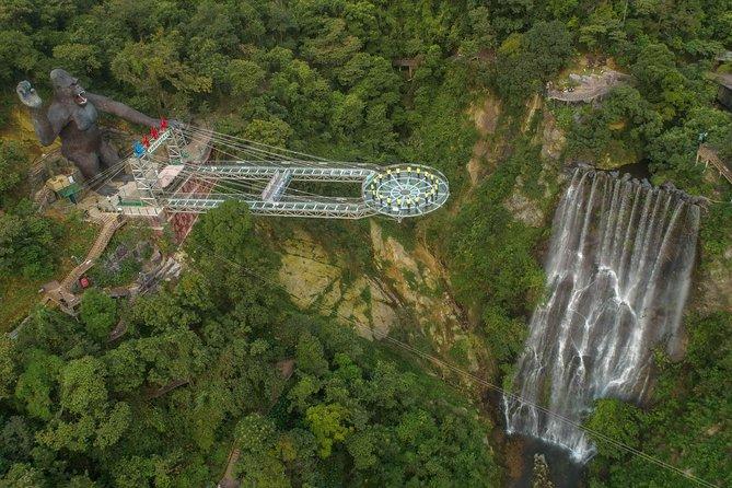 Private Day Tour to Gulong Canyon Glass Bridge from Guangzhou