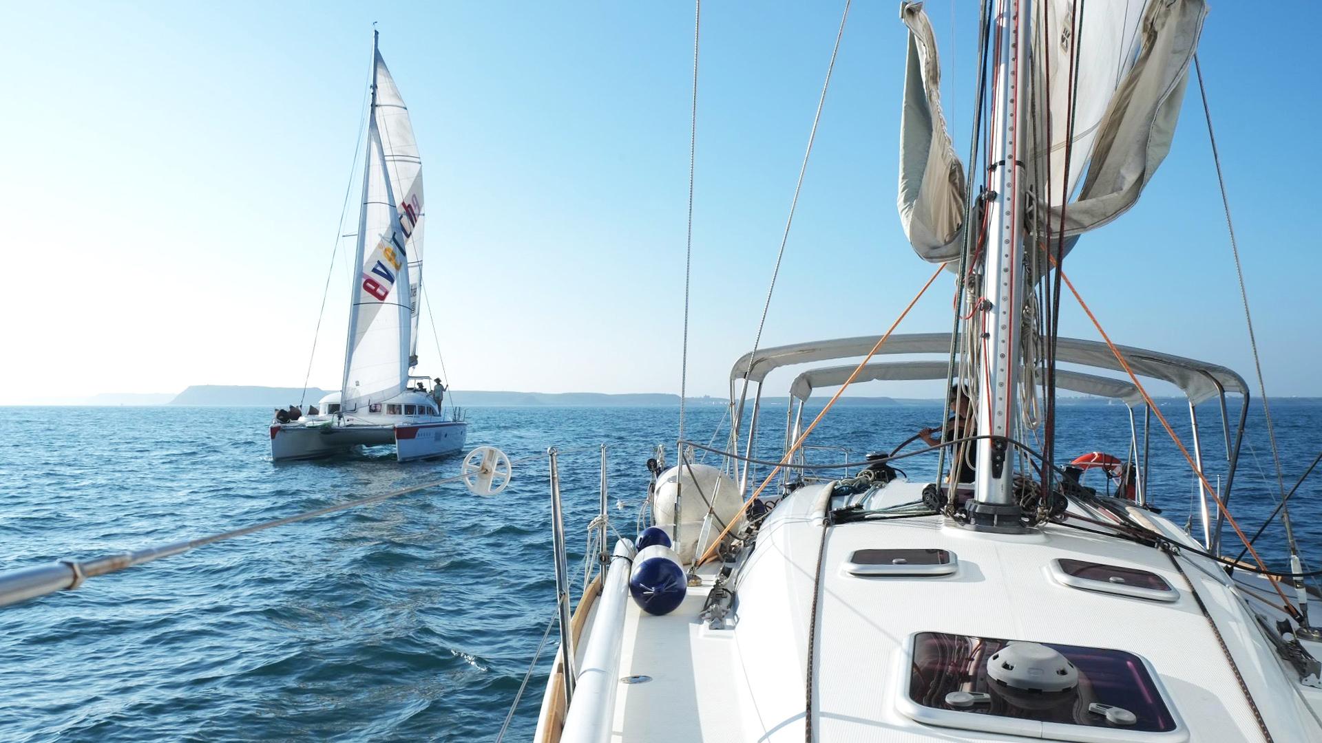 【澎湖帆船半日遊】帆船體驗+浮潛、立槳SUP+點心飲品暢飲(馬公出發)