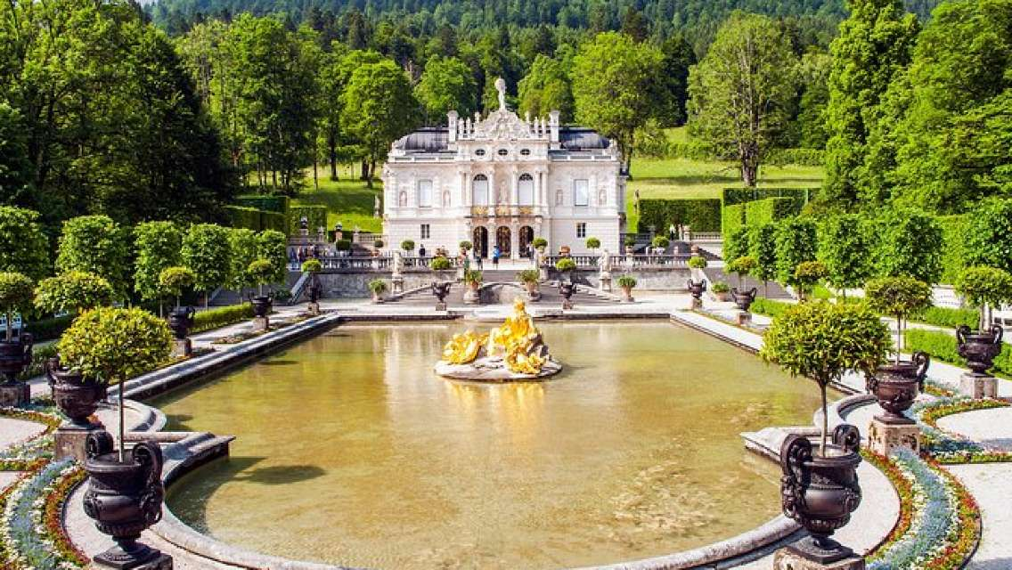 King Ludwig Castles Neuschwanstein and Linderhof Private Tour from Innsbruck