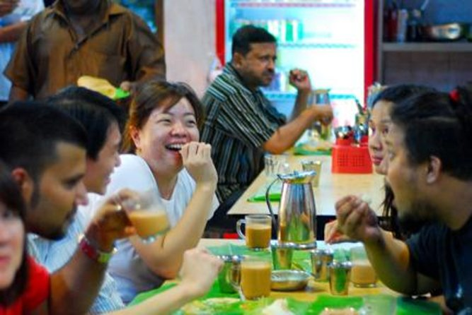 Eat Like a Local: Kuala Lumpur Hawker Center and Street Food Tour by Night