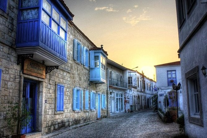 Cesme on Foot and Wine Tasting