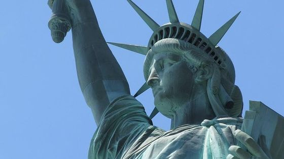 New York City Package: Statue of Liberty Reserve Ticket, THE TOUR and Lunch or Dinner
