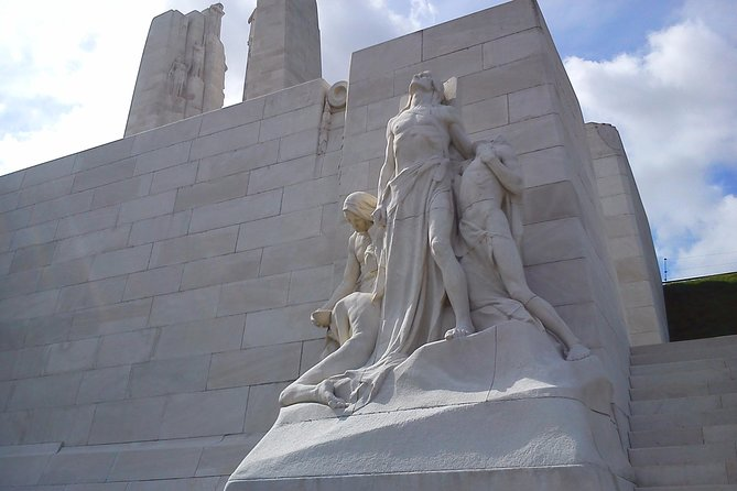 Canadian Somme and Flanders battlefield tour 2 days starting from Lille or Arras