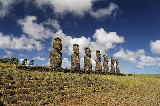 Easter Island Moai Archaeology Tour: Ahu Akivi, Ahu Tahai and Puna Pauâ Quarry.