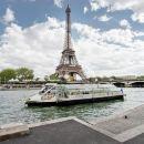 パリの乗り降り自由のセーヌ川観光クルーズ