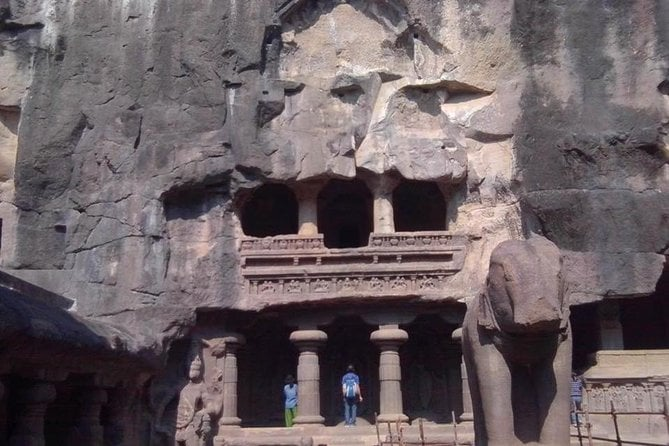 Private Tour: Ajanta Caves Day Tour in Aurangabad with Guide and Entrances