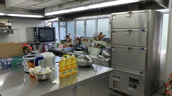 Small Group Local Market Walking Tour and Chinese Cooking Class in Hong Kong