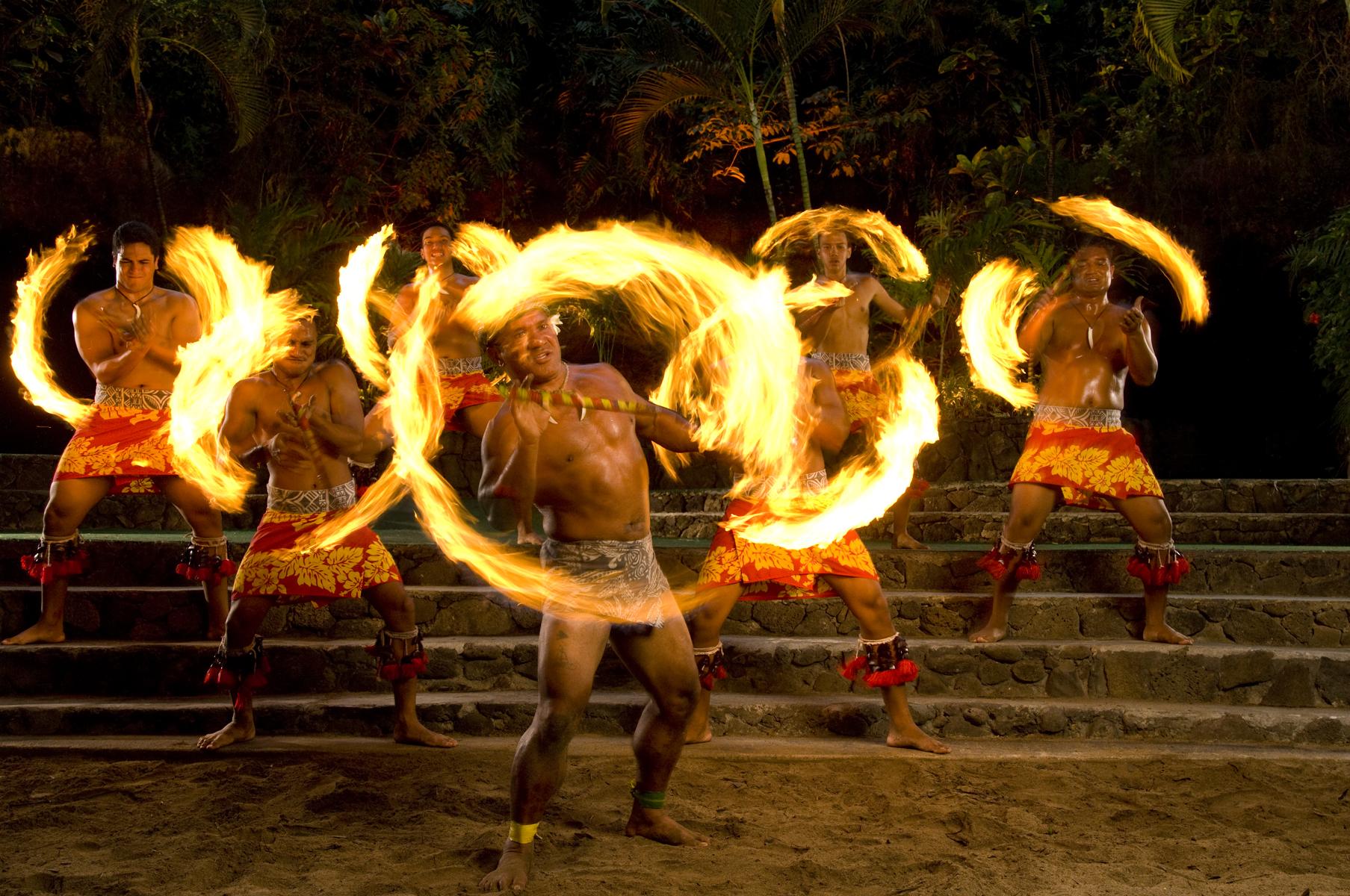 Polynesian Cultural Center Day Tour (Transfer + Performance + Dinner)
